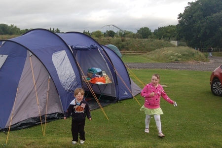 Camping at Drayton Manor campsite, with days out at DraytonManor Thomasland and Cadbury World camping1-campsite01