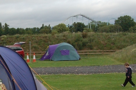 Camping at Drayton Manor campsite, with days out at DraytonManor Thomasland and Cadbury World camping1-campsite02