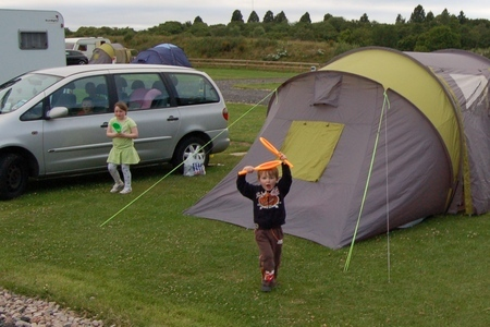 Camping at Drayton Manor campsite, with days out at DraytonManor Thomasland and Cadbury World camping1-campsite04