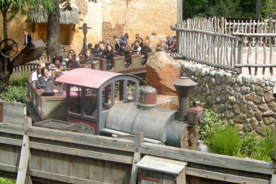 Big Thunder Mountrain Railway - Runaway Train at Disneyland Paris